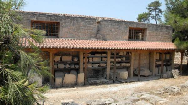 Archaeological Museum - Argo Saronic islands turistic guide