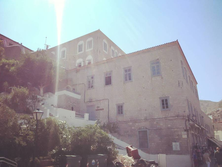 Hydra Mansions - Argo Saronic islands turistic guide