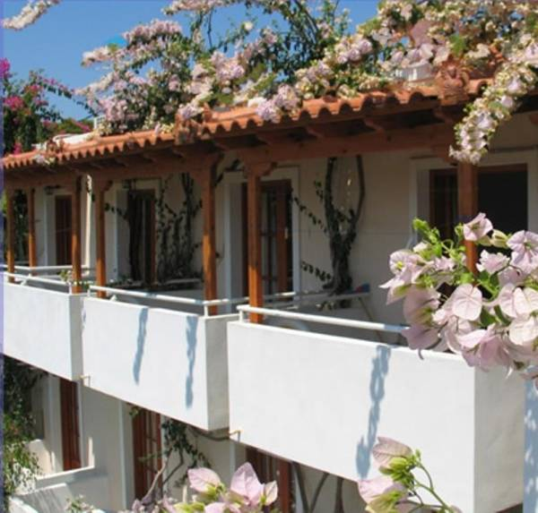 Costantonia Holiday Apartments - Villas, Studio & Apartments