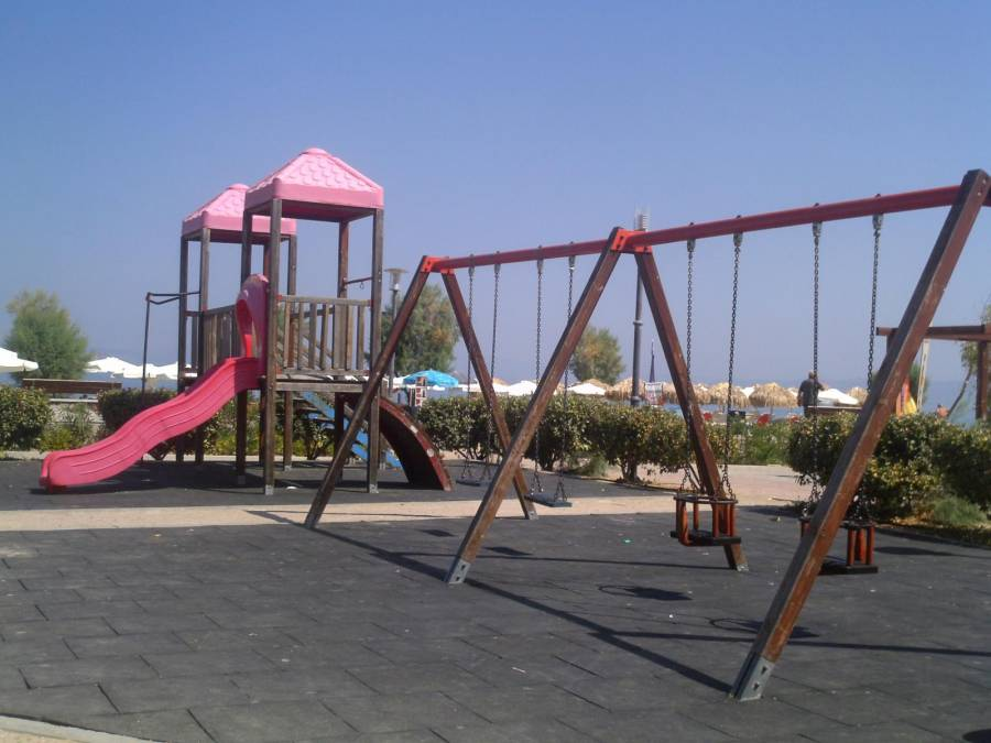 Children playground in Skala - Argo Saronic islands turistic guide