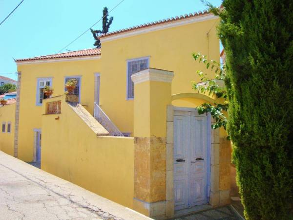 Villa Spetses - Villas, Studio & Apartments